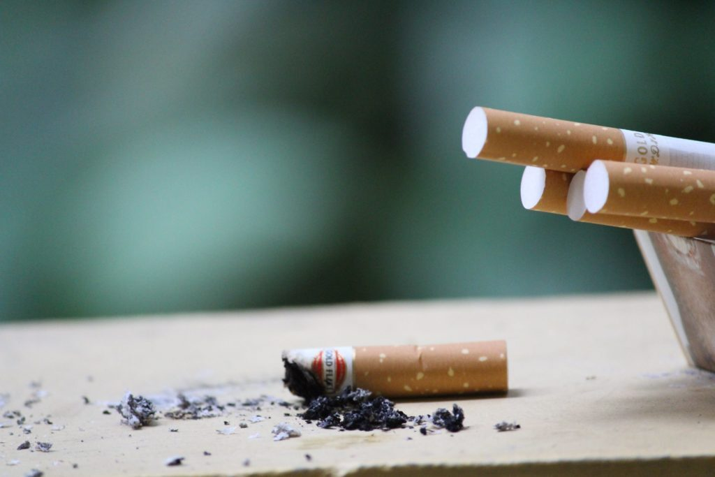 Erectieproblemen oplossen zonder medicatie, stoppen met roken.